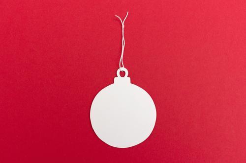 Weihnachtskugel-Anhänger Feste & Feiern Weihnachten & Advent machen Fröhlichkeit retro rund rot weiß Tugend Glück Zufriedenheit Vorfreude Wunsch Schmuckanhänger