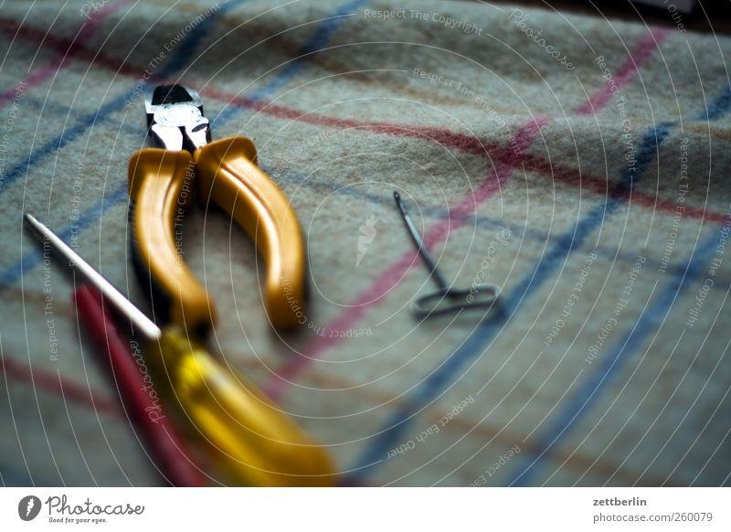 Werkzeug Freizeit & Hobby Basteln Modellbau heimwerken Häusliches Leben Wohnung Sofa Sessel Feierabend Brille Billig gut decke fernsehen Fernsehsender Haushalt
