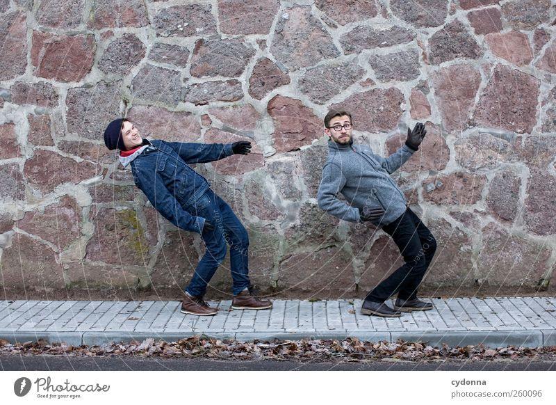 Together Forever Lifestyle Stil Freude Leben Mensch Junger Mann Jugendliche 2 18-30 Jahre Erwachsene Umwelt Winter Stadt Mauer Wand Straße Wege & Pfade Bewegung