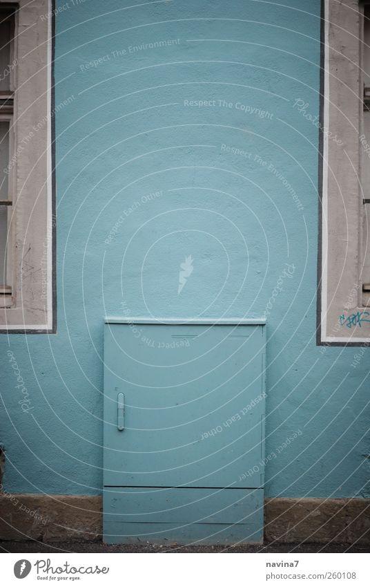 Stromkasten blau Wand Stein Mauer Fassade Energiewirtschaft türkis Symmetrie Tarnung