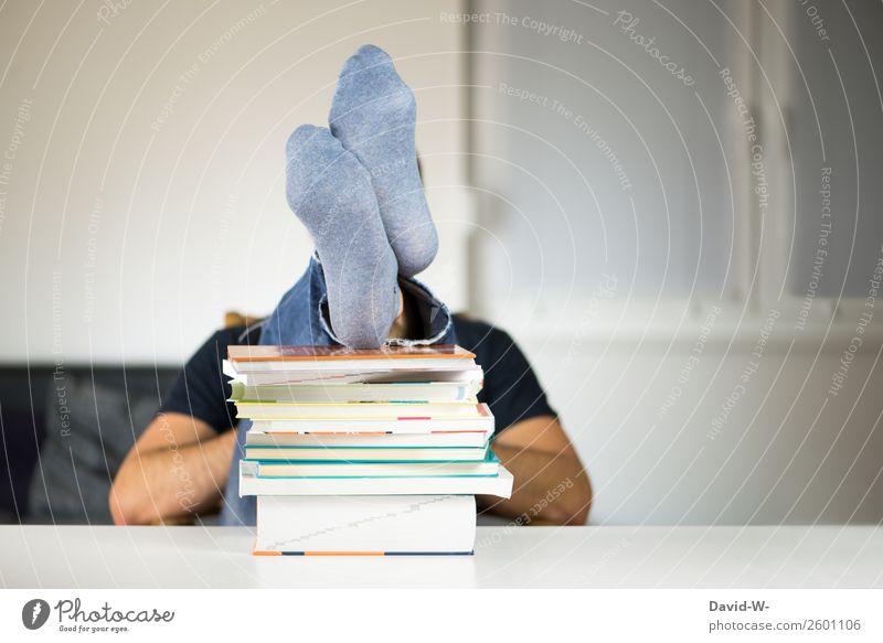 Zeit für eine Pause Bildung Schule lernen Schüler Studium Student Erfolg Mensch maskulin Mann Erwachsene Leben 1 Glück ruhig klug Zufriedenheit Ende Erholung