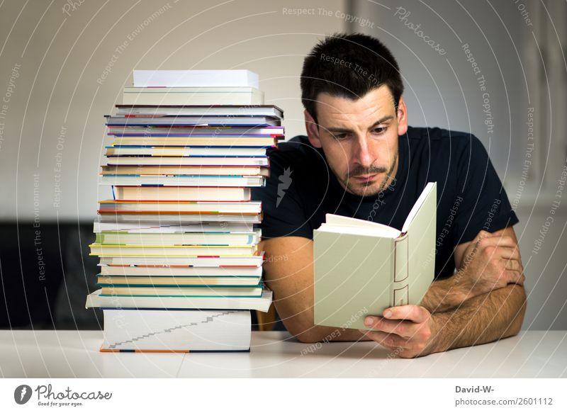 Lesestoff Bildung Schule lernen Schüler Studium Student Mensch maskulin Junger Mann Jugendliche Erwachsene Leben 1 lesen Neugier ruhig klug Buch Bücherstapel