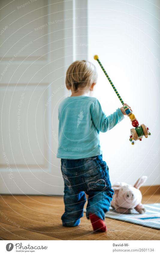 spielen Spielen Wohnung Kindererziehung lernen Mensch Kleinkind Mädchen Junge Kindheit Leben 1 1-3 Jahre Kunst Tier beobachten frech Tatkraft Lebensfreude