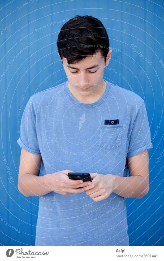Mensch Jugendliche Mann weiß Gesicht Straße Lifestyle Erwachsene Glück Junge Spielen Mode modern Musik Technik & Technologie Lächeln