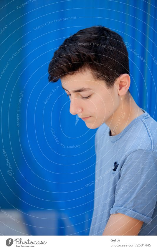 Porträt eines Teenagers Lifestyle Stil schön Gesicht Mensch Junge Mann Erwachsene Jugendliche Mode Traurigkeit Coolness frisch modern natürlich niedlich