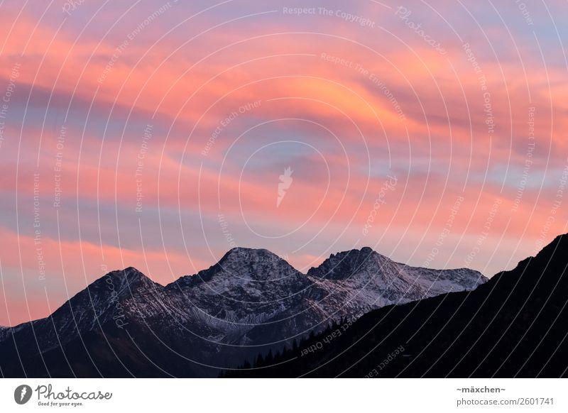 Sonnenuntergang in den Bergen Himmel Natur Ferien & Urlaub & Reisen blau schön Landschaft weiß rot Baum Erholung Wolken Wald Berge u. Gebirge natürlich Schnee
