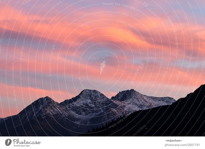 Sonnenuntergang in den Bergen Natur Landschaft Himmel Wolken Sonnenaufgang Schnee Baum Wald Felsen Alpen Berge u. Gebirge Gipfel Schneebedeckte Gipfel natürlich