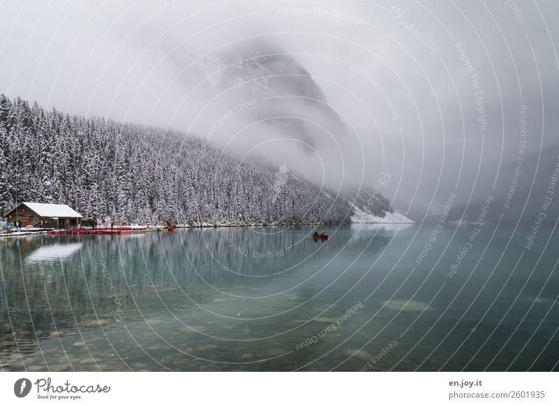 Romantik Natur Ferien & Urlaub & Reisen Landschaft Berge u. Gebirge kalt Schnee Tourismus See Ausflug Freizeit & Hobby Nebel Abenteuer Hütte Kanu