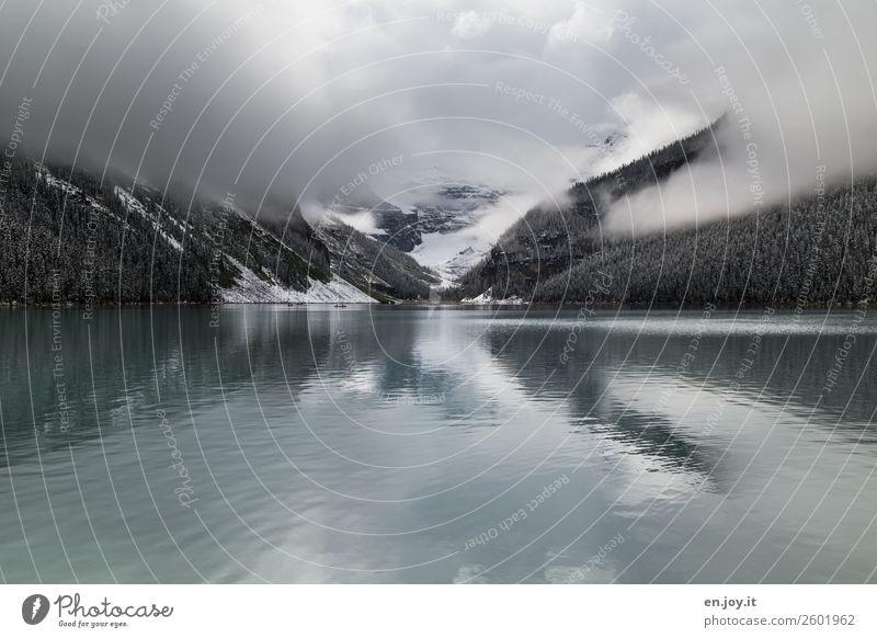 Bewölkt Ferien & Urlaub & Reisen Ausflug Ferne Expedition Natur Landschaft Urelemente Wolken Winter schlechtes Wetter Nebel Schnee Berge u. Gebirge See