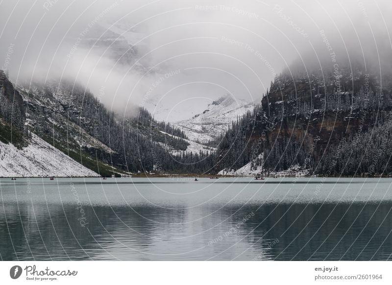 Winterpaddeln Ferien & Urlaub & Reisen Natur Landschaft Wolken Berge u. Gebirge dunkel Herbst kalt Schnee Tourismus See Ausflug Freizeit & Hobby Nebel Abenteuer