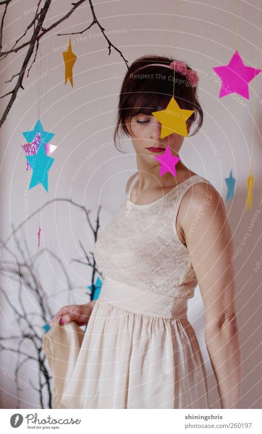 sternenprinzessin schön feminin Junge Frau Jugendliche 1 Mensch 18-30 Jahre Erwachsene Kunstwerk Theaterschauspiel Tanzen Bekleidung Kleid Spitze Ballkleid