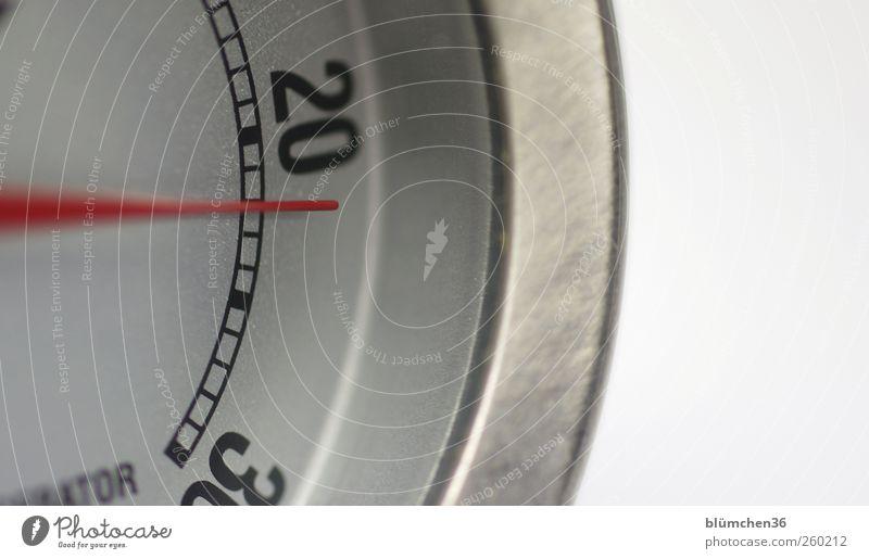 22° Grad Messinstrument Thermometer Temperatur frieren Wärme grau rot silber Metall Grad Celsius rund heizen Heizung Ziffern & Zahlen Maßeinheit Messanzeige