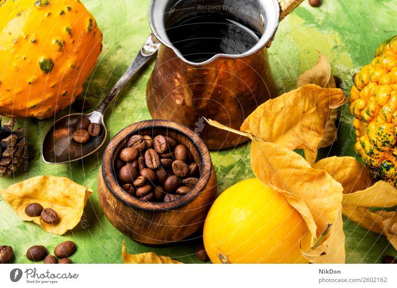 Kürbisgewürz-Kaffee Latte Herbst Cappuccino trinken Getränk fallen Zimt Kaffeebohnen rustikal heiß Sahne Gemüse geschmackvoll Cocktail gelbe Blätter Tasse