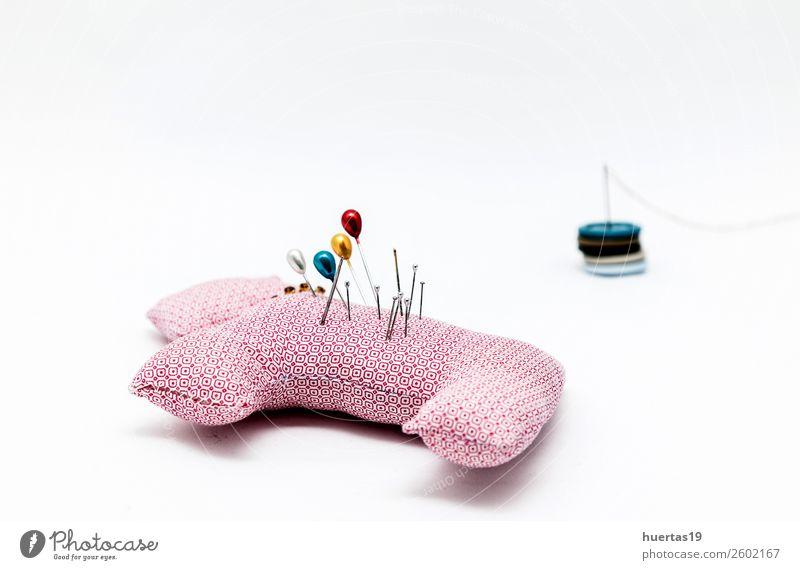 Nähutensilien Schere Maßband Mode Kleid Anzug Stoff Accessoire Idee Nähset Knöpfe Faser Spulen aus Garn Garnfarben Textil Nähkästchen Damenschneiderin Schneider