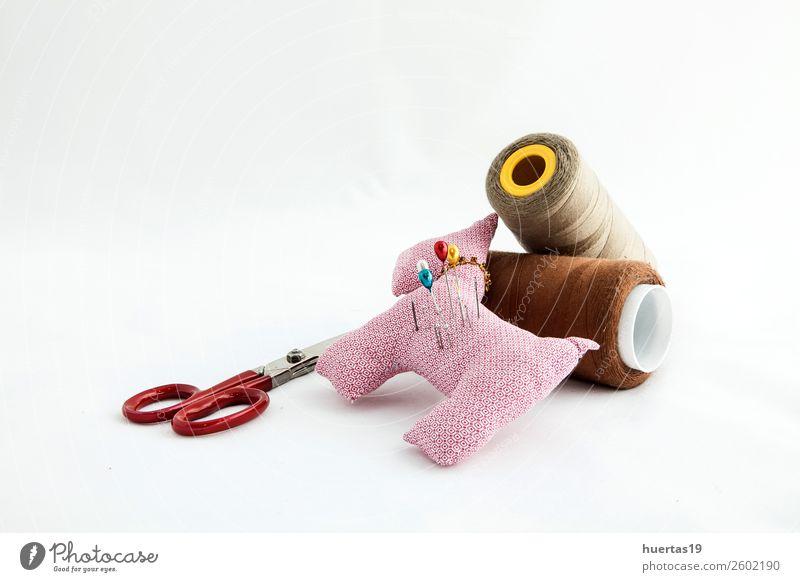 Nähutensilien Lifestyle elegant Stil Design Schere Maßband Mode Kleid Anzug Stoff Accessoire Arbeit & Erwerbstätigkeit Nähset Knöpfe Faser Spulen aus Garn