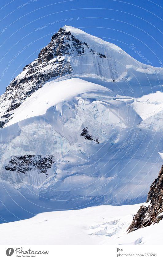 Eis- und Steinhaufen Erholung ruhig Tourismus Abenteuer Freiheit Expedition Winter Schnee Winterurlaub Berge u. Gebirge Natur Urelemente Luft Wasser Himmel