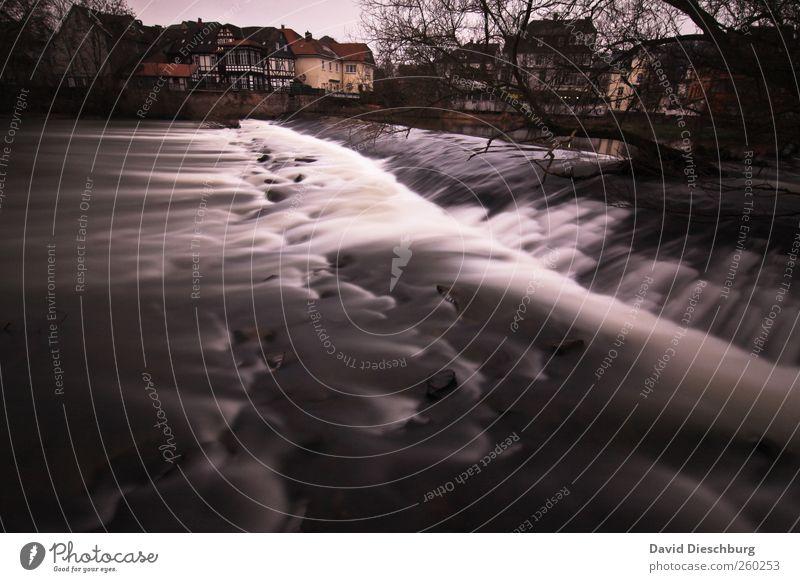 Hörst du das Rauschen? Natur Wasser weiß Pflanze Winter schwarz Landschaft kalt Fluss Flussufer Wasseroberfläche Wasserfall malerisch Hessen Bewegungsunschärfe