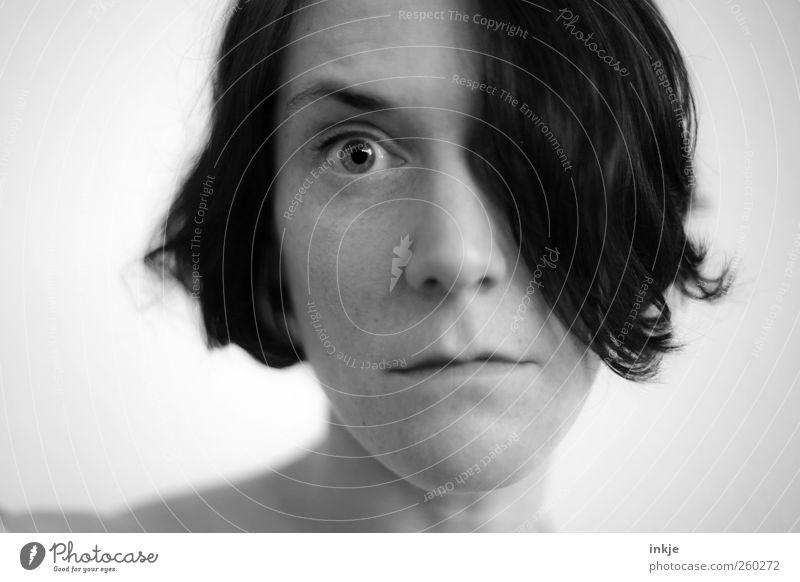 bare Gesicht Frau Erwachsene Leben Auge 1 Mensch 30-45 Jahre Haare & Frisuren schwarzhaarig langhaarig Denken Blick Traurigkeit Gefühle Stimmung Ehrlichkeit