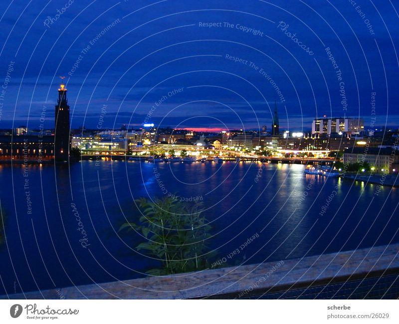 Die Stadt, die niemals schläft Europa Hafen Skyline Schweden Hauptstadt Skandinavien Nachtaufnahme Stockholm Hafenstadt Sommernacht Sommersonnenwende Stadtlicht