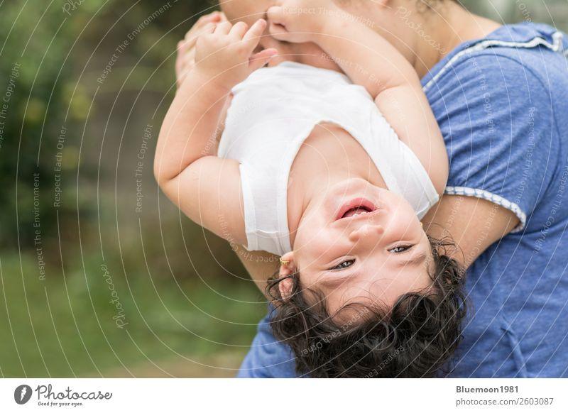 Frau Kind Mensch Natur Jugendliche Junge Frau blau schön grün weiß Freude Mädchen Gesundheit Gesicht Lifestyle Erwachsene