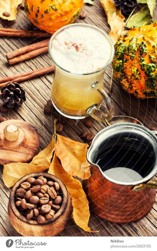 Kürbis-Gewürz-Latte Kaffee Herbst Lebensmittel trinken Getränk fallen Zimt Kaffeebohnen rustikal heiß Sahne Gemüse geschmackvoll Cocktail lecker Tasse Squash