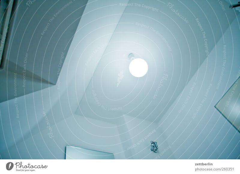 Decle Häusliches Leben Wohnung Raum Bad tauchen Wasser Haus Mauer Wand trendy baden bein hygiene Schaum Schaumbad wallroth waschen Decke Zimmerdecke Lampe Licht