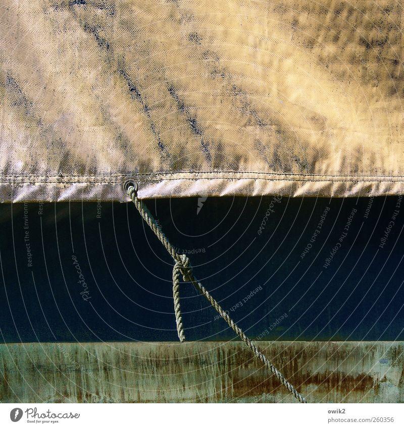 Fixpunkt Seil Abdeckung bedecken Knoten festhalten fixieren Befestigung robust Technik & Technologie Armut dreckig dünn einfach nah trashig Sicherheit Schutz