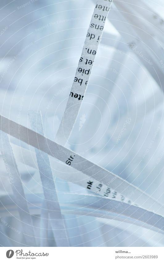 schreddern ist kunst Büro zerkleinern Kunst Papier Aktenordner Aktenvernichtung Datenschutz Schriftzeichen Kontrolle Zerstörung Detailaufnahme