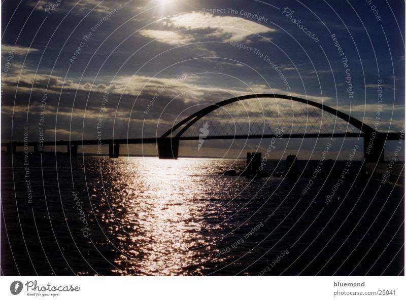 Fehmarnsundbrücke Sonnenuntergang Wellen Wolken Europa Wasser Brücke
