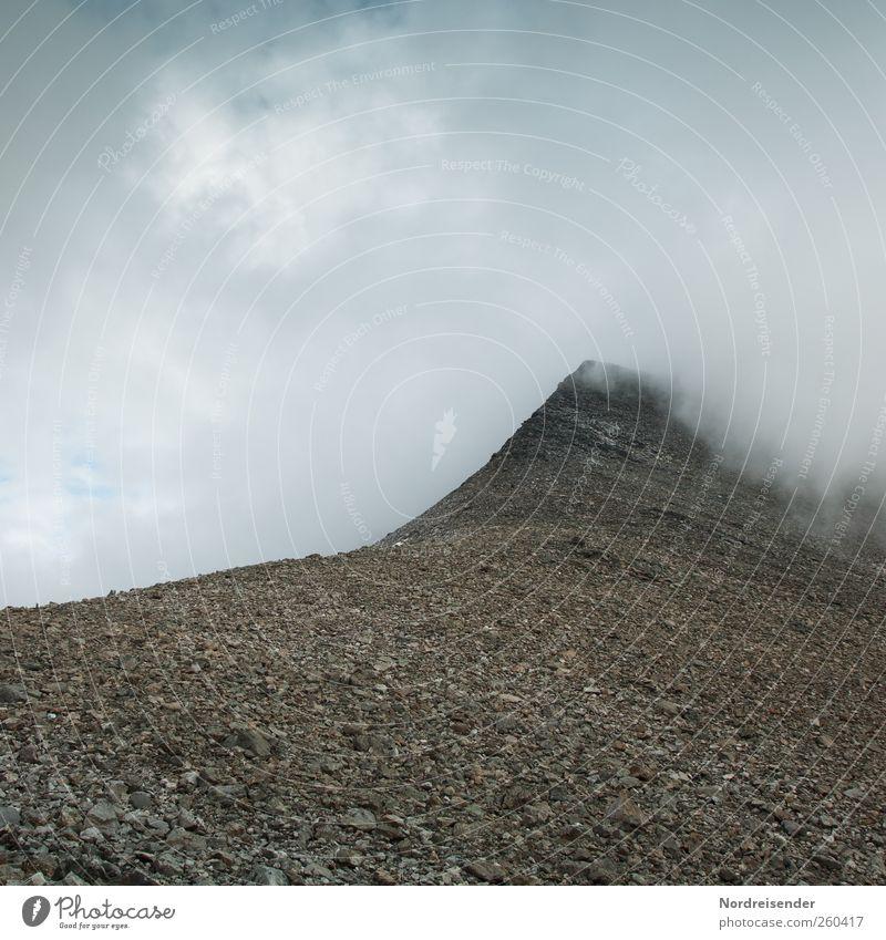 Verborgene Ziele Wolken Einsamkeit ruhig dunkel Landschaft Berge u. Gebirge Wege & Pfade Stein Stimmung Felsen Nebel wandern Ausflug Klima Beginn Abenteuer