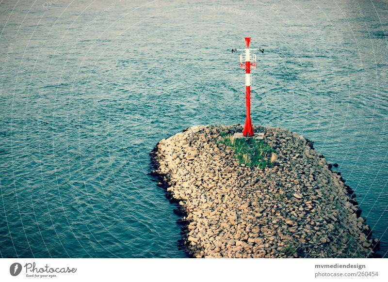 Rhein Flussufer ruhig Wasseroberfläche Buhne Signalanlage Farbfoto Außenaufnahme Menschenleer Textfreiraum links