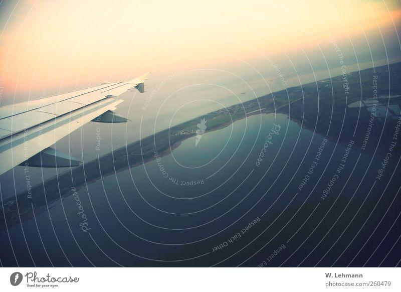 Fly away Flugzeug Luftverkehr Umwelt Landschaft Wolkenloser Himmel Sonnenaufgang Sonnenuntergang Corsica Frankreich Flughafen Flugzeuglandung Flugzeugstart
