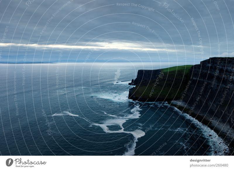 200 m ü. NN Ferien & Urlaub & Reisen Tourismus Sommerurlaub Wasser Himmel Felsen Berge u. Gebirge Meer Klippe Felsküste Atlantik Cliffs of Moher Republik Irland