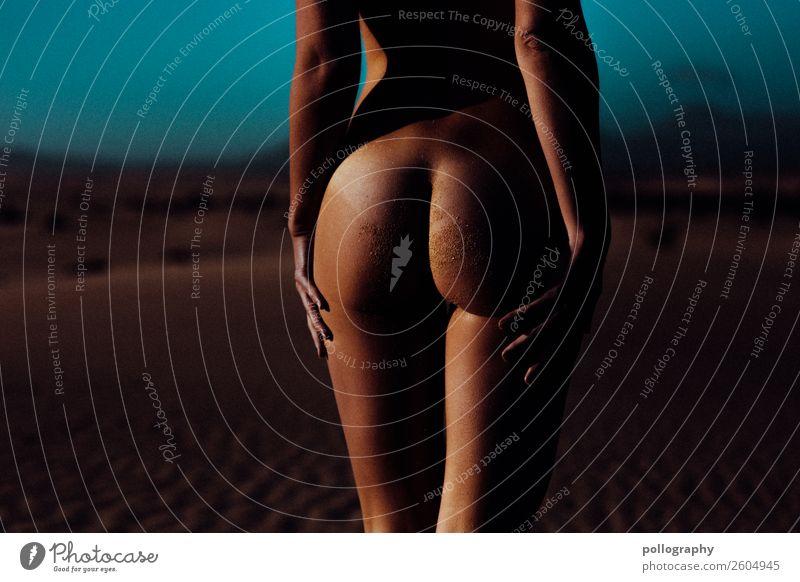 Booty II Lifestyle exotisch Gesundheit sportlich Fitness feminin Frau Erwachsene Gesäß 1 Mensch 18-30 Jahre Jugendliche stehen ästhetisch authentisch nackt dünn