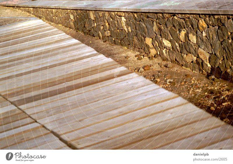 Structures Holz Fluchtpunkt Steg Mauer Stein Strukturen & Formen Natur Wege & Pfade Architektur