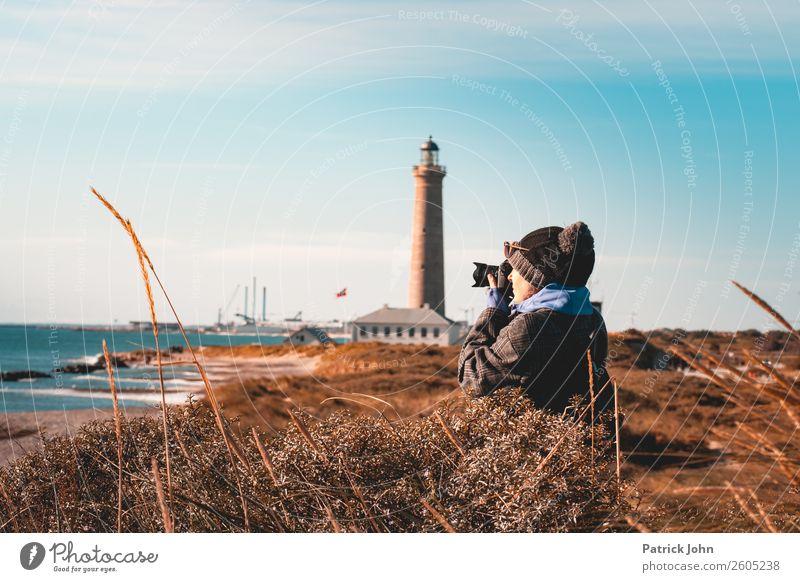 Fotoleidenschaft Ferien & Urlaub & Reisen Ausflug Strand Meer Frau Erwachsene Natur Landschaft Himmel Sonnenlicht Herbst Schönes Wetter Küste Bucht Ostsee