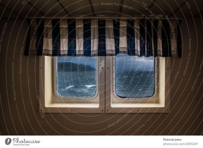 Raue See Kreuzfahrt Meer Wellen Wasser Gewitterwolken Klima schlechtes Wetter Unwetter Wind Sturm Regen Küste Nordsee Schifffahrt Fähre Wasserfahrzeug