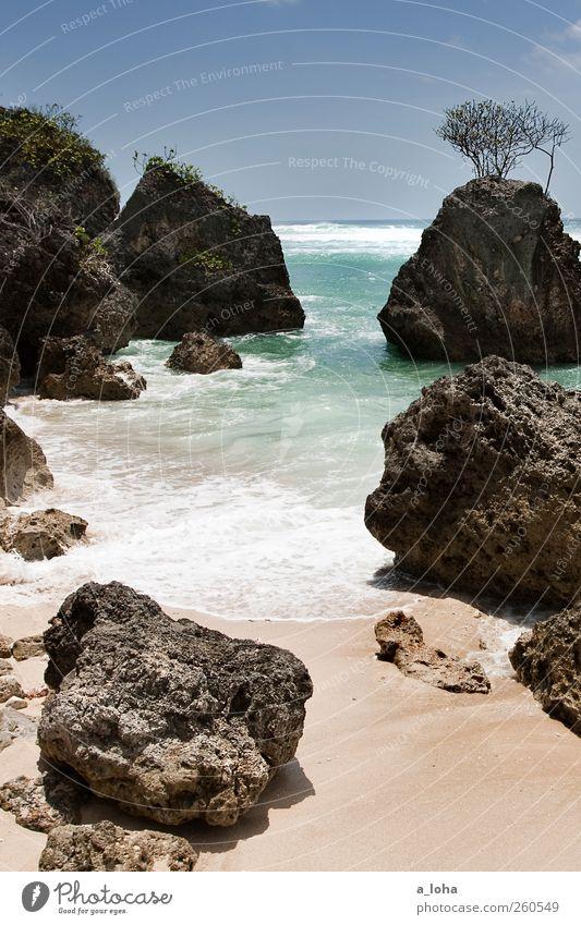 Summertime Himmel Natur Wasser Ferien & Urlaub & Reisen Sommer Meer Strand Einsamkeit Ferne Sand Wärme Küste Horizont Felsen Urelemente Sauberkeit