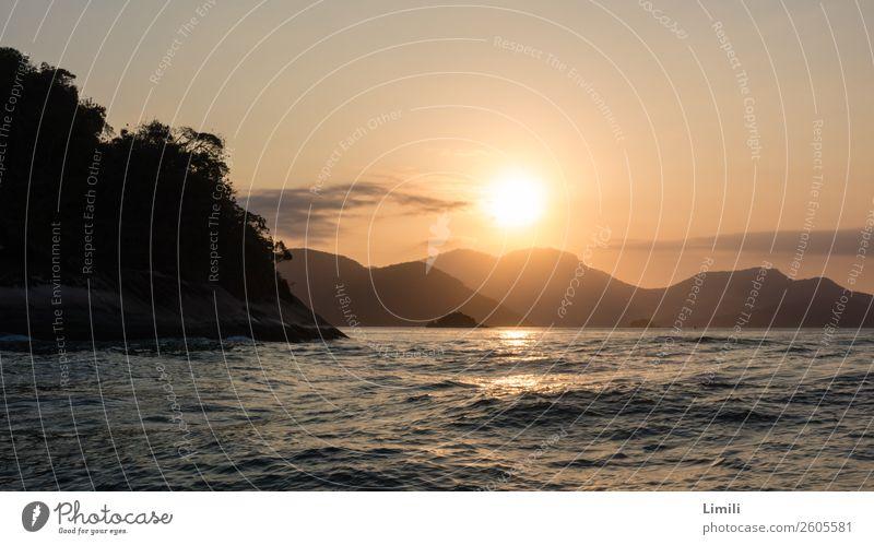 Brasilianische Abendstimmung Wasser Landschaft Meer Einsamkeit Ferne Strand Berge u. Gebirge Liebe Küste Glück Freiheit Schwimmen & Baden Wellen Insel genießen
