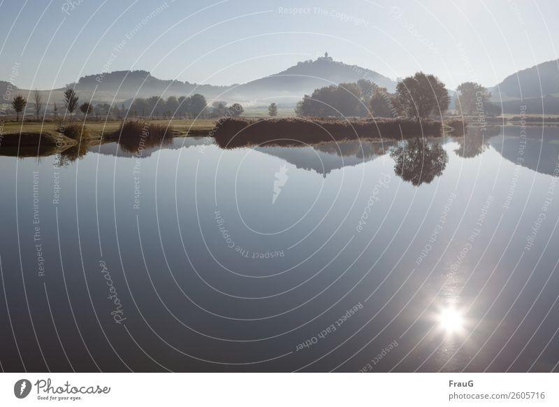 Herbstmorgen Natur Landschaft Wasser Sonne Schönes Wetter Nebel Sträucher Baum See Burg oder Schloss ruhig Umwelt Reflexion & Spiegelung Farbfoto Außenaufnahme