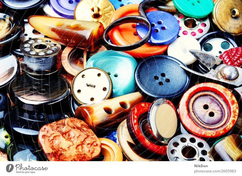 Nähknöpfe einstellen Schaltfläche Nähen Mode nähen Bekleidung Schneider Design kreisen Hintergrund mischen Sammlung Kunststoff farbenfroh Handarbeit Nahaufnahme