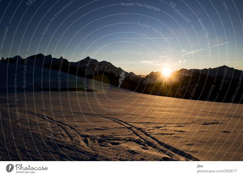 Abend über Gsteig Tourismus Winter Schnee Winterurlaub Berge u. Gebirge wandern Haus Wintersport Skifahren Sportstätten Natur Urelemente Himmel Sonne