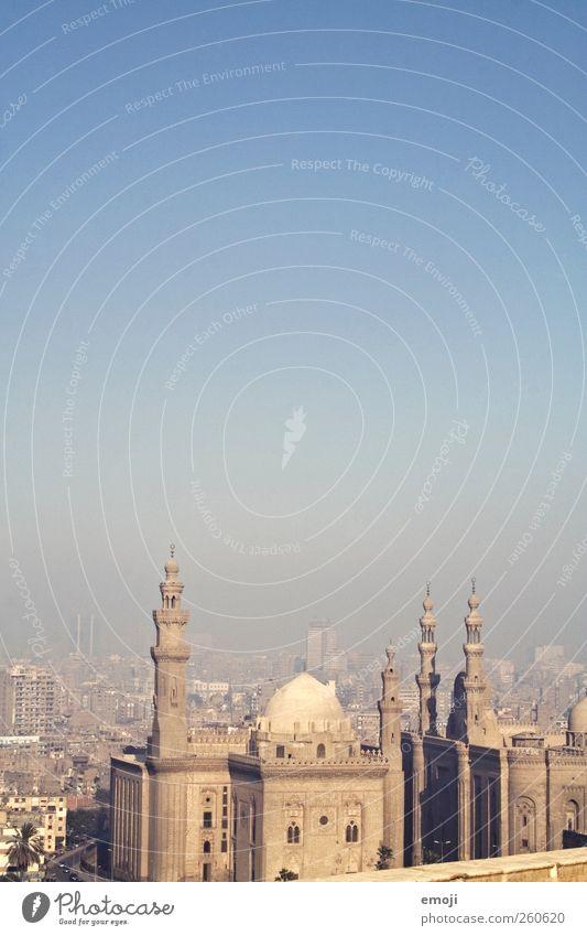 Kairo [Smog] II Himmel Stadt Architektur Gebäude Bauwerk Skyline Denkmal Wahrzeichen Stadtzentrum Hauptstadt Sehenswürdigkeit Wolkenloser Himmel Moschee
