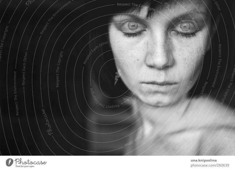 i shut my eyes in order to see Mensch Frau Jugendliche Gesicht Erwachsene Auge dunkel feminin Gefühle Denken träumen Stimmung Kraft schlafen Perspektive