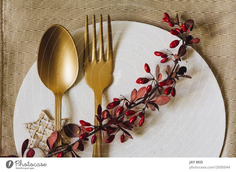 Holiday Gold Platz Setzschale mit Gabel und goldenem Löffel. Abendessen Teller elegant Winter Innenarchitektur Dekoration & Verzierung Tisch Veranstaltung