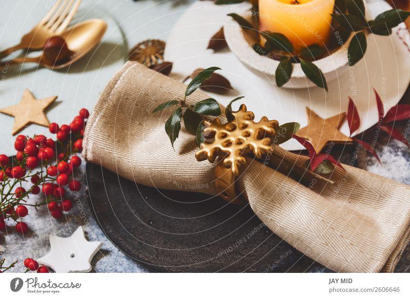 Ferien-Tischdecke, schwarzer Teller mit goldenem Serviettenhalter Abendessen Löffel Winter Dekoration & Verzierung Restaurant Erntedankfest Weihnachten & Advent
