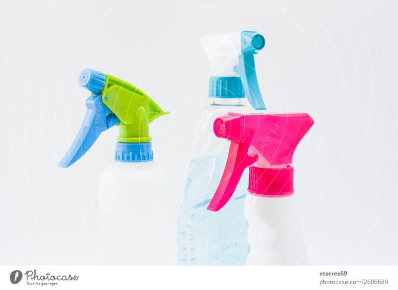 Reinigung von Sprühprodukten isoliert. Sauberkeit Reinigen Produkt heimisch Kunststoff Haushalt Flasche antiseptisch Desinfektion Chemikalie Varieté sprühen