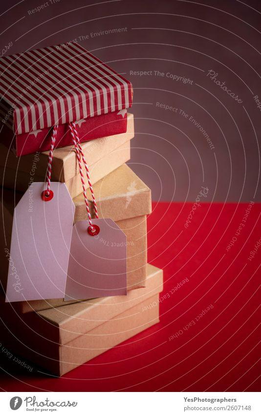 Stapel von Geschenken und zwei leere Etiketten Weihnachten & Advent Geburtstag rosa Tradition Frohe Weihnachten Atmosphäre Hintergrund Transparente blanko