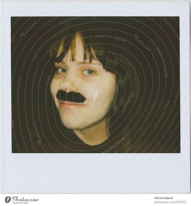 Damenbart Junge Frau Jugendliche Kopf 1 Mensch 18-30 Jahre Erwachsene Bart Oberlippenbart Freude skurril Freak Fetischismus Farbfoto Innenaufnahme Polaroid