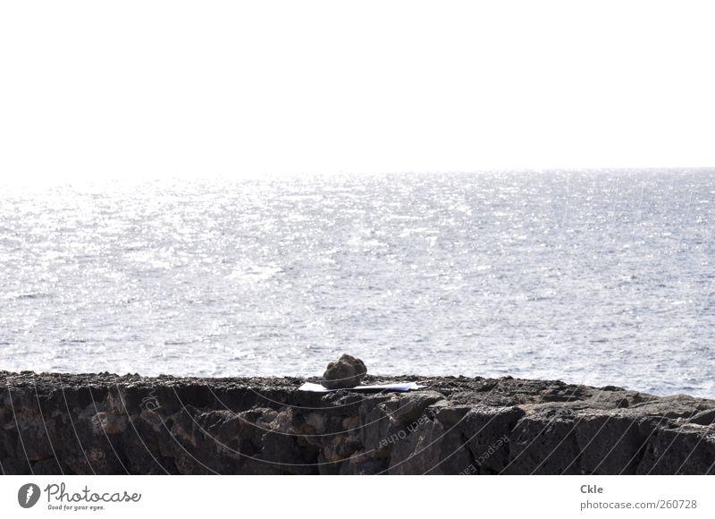 Beschwert Himmel blau Wasser weiß Meer Einsamkeit ruhig Ferne Wand grau Stein Küste Mauer Erde Horizont warten
